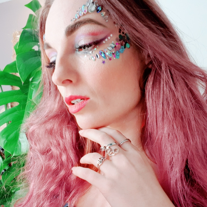 Peacock Butterfly Face Jewels en Hypnotic Peacock Chunky Glittermix_20190208231439503_save_edited