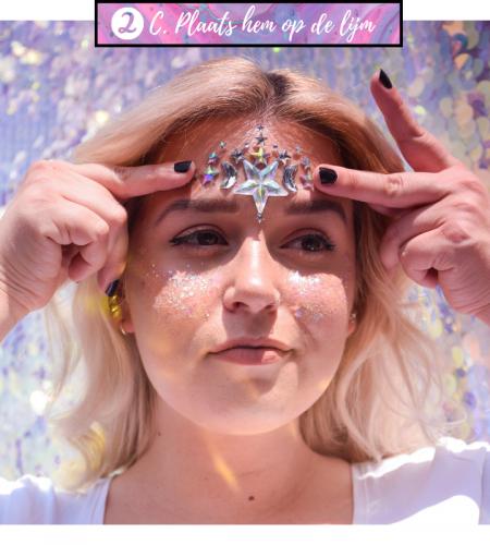 Tips en tricks om jewelstickers aan te brengen op het gezicht.